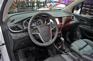 Geneva LIVE: 2017 Opel Mokka X - LeftLaneNews