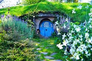Hobbiton Village In New Zealand  20 Pic