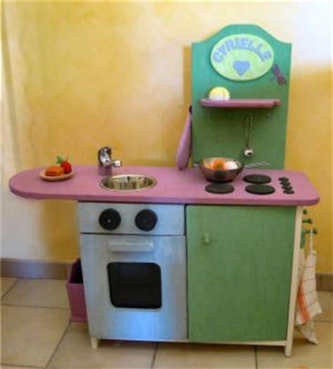 fabriquer cuisine pour fille fabriquer une cuisine en bois pour enfant