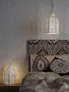 Peinture Beige Doré : t te de lit style marocaine tissu oriental noir et beige ~ Zukunftsfamilie.com Idées de Décoration