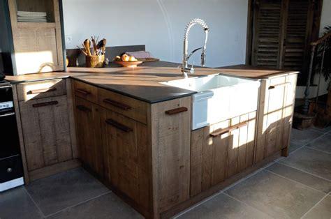 cuisine acier cuisine atelier chêne clair bardage acier oxydé iron