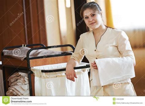 femme de chambre wiki camareira no hotel foto de stock imagem 44645288