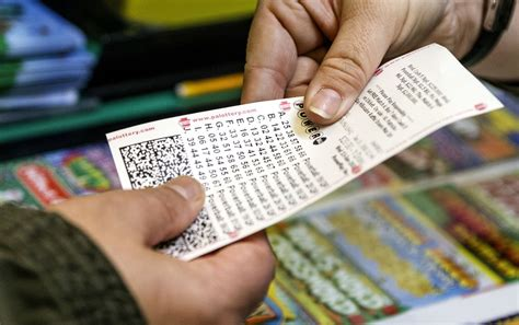mega millions powerball jackpots  million combined