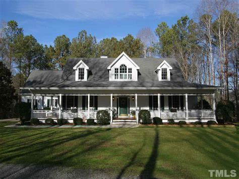 stunning images traditional southern homes 7100 beaver trail apex nc fonville morisey real estate