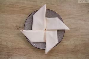Pliage Serviette Moulin A Vent : 15 pliages de serviettes faciles et cr atifs pour toute occasion ~ Melissatoandfro.com Idées de Décoration