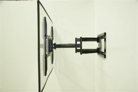 motion wall mount with 32 inch extension for