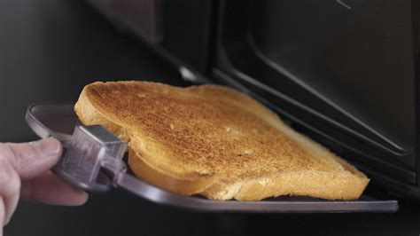 This Slim Toaster Has Clever Heated Pockets To Keep Your