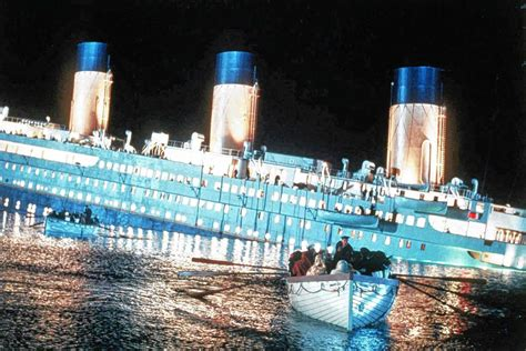 titanic sinking  years   night  lives