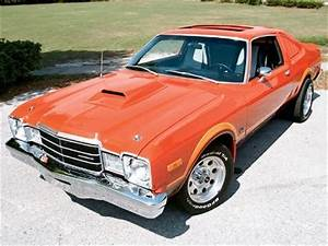 1976 Plymouth Volare - Pictures