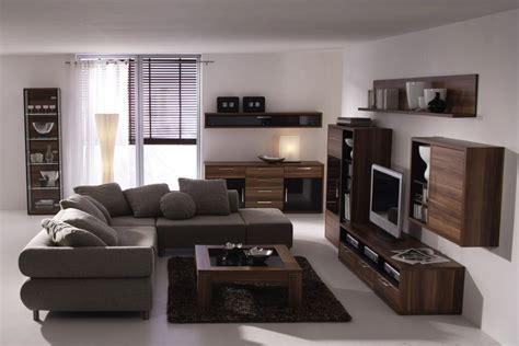 gray sofa  walnut stain furniture  pops  blues
