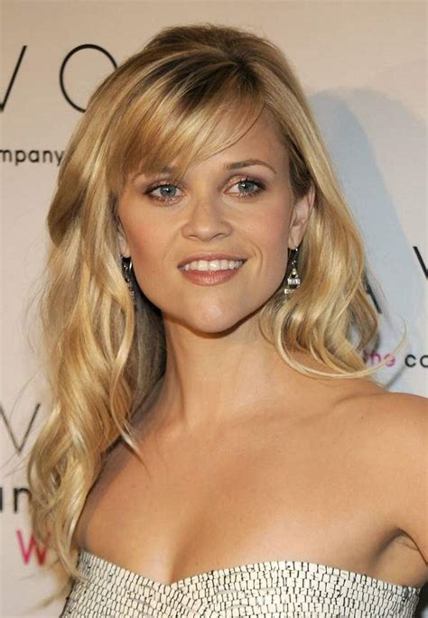 side sweep hair style the different reese witherspoon hairstyles with bangs 4552