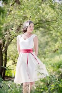 Brautkleid Mit Farbe : brautkleid kurz schlicht ~ Frokenaadalensverden.com Haus und Dekorationen