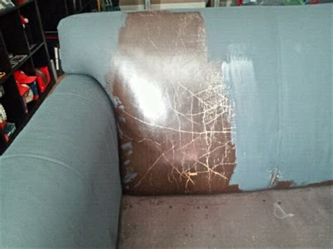 Spray Paint Leather Sofa by Remodelaholic 28 Ways To Bring New To An Sofa