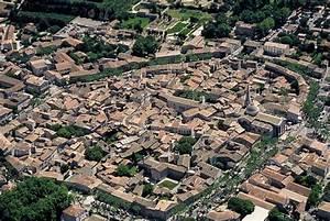 Restaurant Saint Rémy De Provence : explore saint r my de provence in just 48 hours new york habitat blog ~ Melissatoandfro.com Idées de Décoration