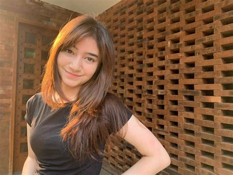 10 Potret Dannia Salsabila, Artis Pendatang Baru yang Main ...