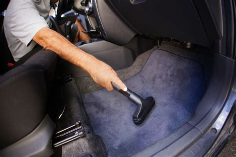 vacuum  car detailing
