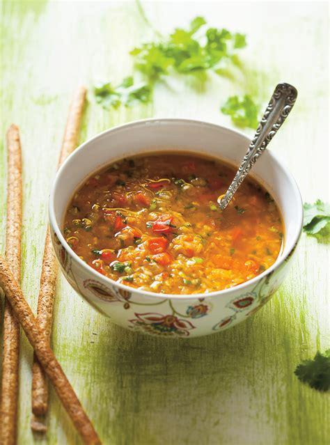 cuisiner homard soupe aux lentilles et aux poivrons rouges ricardo