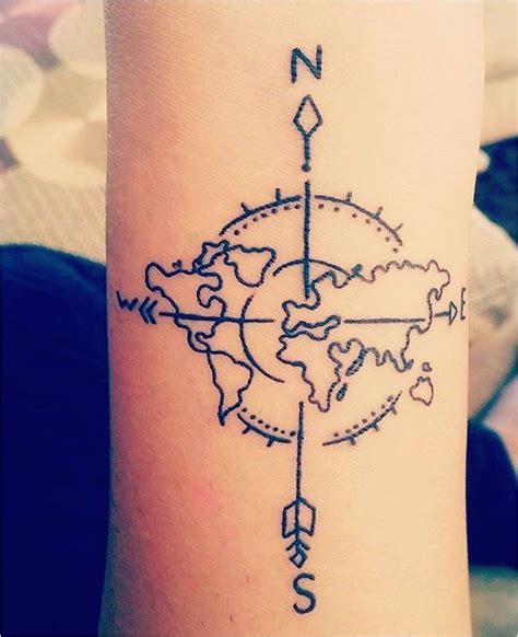 tatouage femme fleche boussole 226 183 1001 id 233 es acidcruetattoo