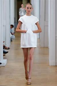 courreges spring 2017 ready to wear collection vogue With robe style courrege