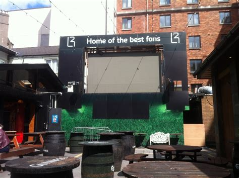 10 Of The Best Pubs To Watch The Fa Cup Final  Publin. Living Room Ideas With Grey Leather Couch. Comfy Chairs For Living Room. Blue Living Room With Brown Leather Sofa. Design Ideas For Living Room With Bay Window. Grey Couch Living Room. Home Decor Ideas For Living Room. Living Room Settee. Yellow Black And White Living Room