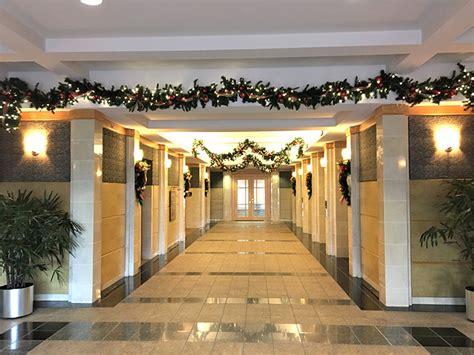 christmas decorations  office lobby wwwindiepediaorg