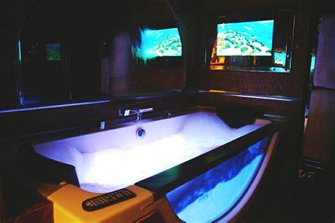 mere dans la salle de bain 28 images christelle beneytout le sorties de bain m 232 re et