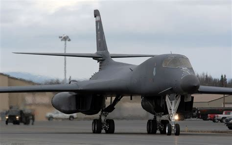 B-1b Us Air Force (usaf) Bomber Aircraft