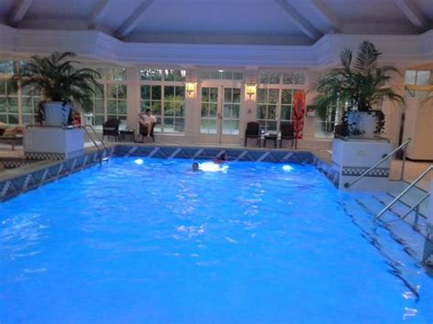 hotel seine et marne avec dans la chambre piscine photo de disneyland hotel chessy tripadvisor