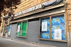 libreria piazza della repubblica roma spariscono le antiche botteghe prati chiude la libreria