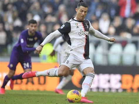 Ronaldo goals keep Juve clear in Serie A   Central Western ...