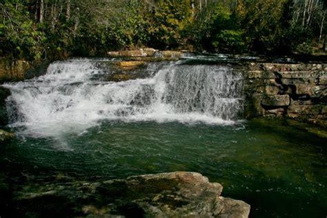 amazing waterfall swimming holes  virginia