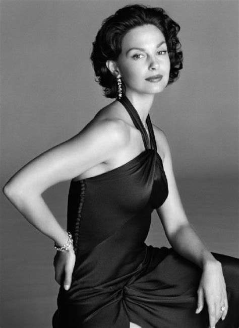 ashley judd celebrity actress woman black dress fav