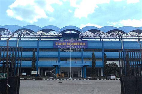 stadion maguwoharjo  sleman yogyakarta