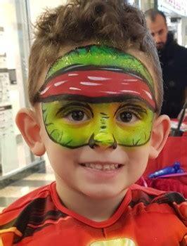 schminke für kinder kinderschminken jungen motive superheld gesichtsmaske makeup