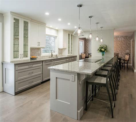 two tone kitchen island home trend to the two toned kitchen re max 6437