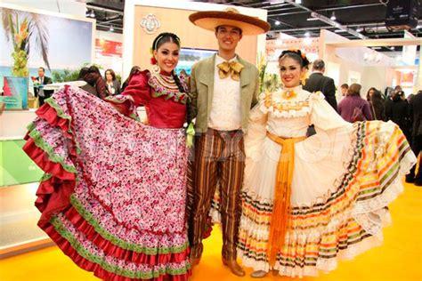 traje tipico de argentina hombre y mujer