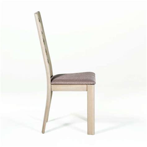 une et trois chaises chaise contemporaine en chêne 4 pieds tables chaises