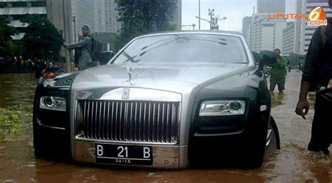 Gambar Mobil Rolls Royce Ghost by Rolls Royce Ghost Ontkomt Niet Aan Waterterreur Autoblog Nl