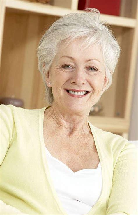 simple hairstyles  older women elle hairstyles