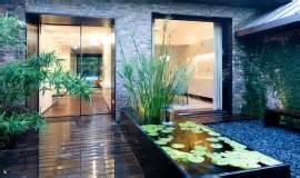 25 idees pour amenager et decorer un petit jardin With charming amenager un jardin contemporain 2 creer un jardin avec des cactus et des palmiers
