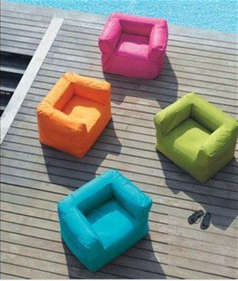 canapé gonflable extérieur mobilier de jardin osez l insolite mamaisonmonjardin com