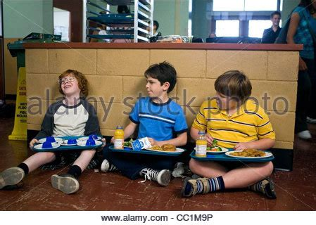 grayson russell diary of a wimpy kid zachary gordon robert capron grayson russell diary of a