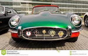 Sport Auto Classiques : vieilles voitures de sport classiques de vintage jaguar de type e image stock ditorial image ~ Medecine-chirurgie-esthetiques.com Avis de Voitures