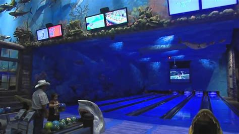 Bowling alley at Bass Pro Shops - YouTube