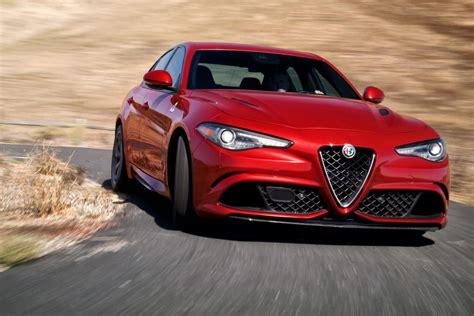 2019 Alfa Romeo Giulia Barracuda : Alfa Romeo Giulia 2019 Ottiene I Nuovi Allestimenti Nero