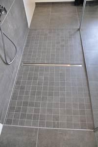 Rutschfeste Fliesen Dusche : bodenebene dusche mit mosaik villeroy boch upper side in kombination mit bodenfliesen 60x60 cm ~ Watch28wear.com Haus und Dekorationen