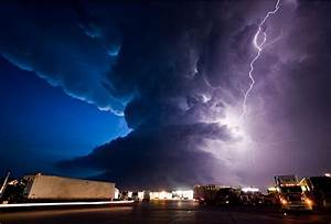 Tornadoes and Lightnings (16 pics)