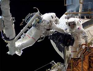 Hubble telescope repair attempt with spacewalk | Science ...