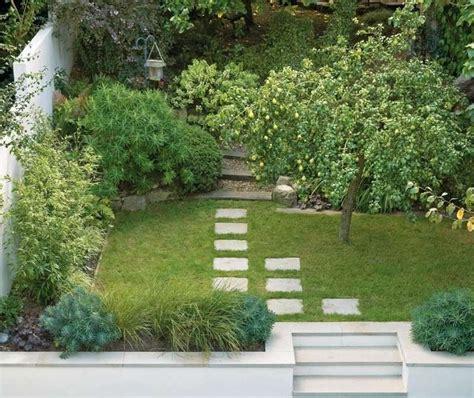Garten Doppelhaushälfte Gestalten by Kleinen Garten Anlegen Obstbaum Und Exotische Immergr 252 Ne