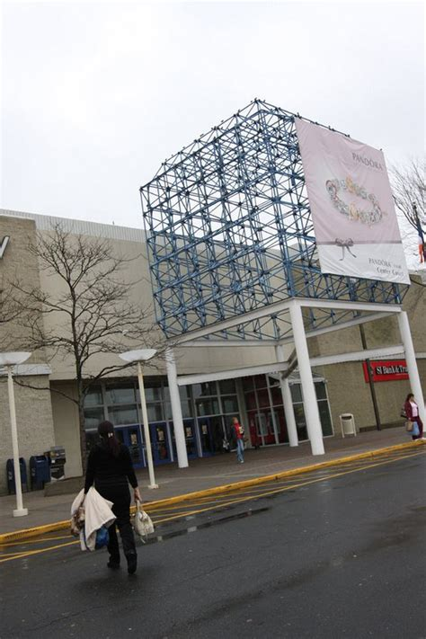 staten island mall fun silive hosts night advance